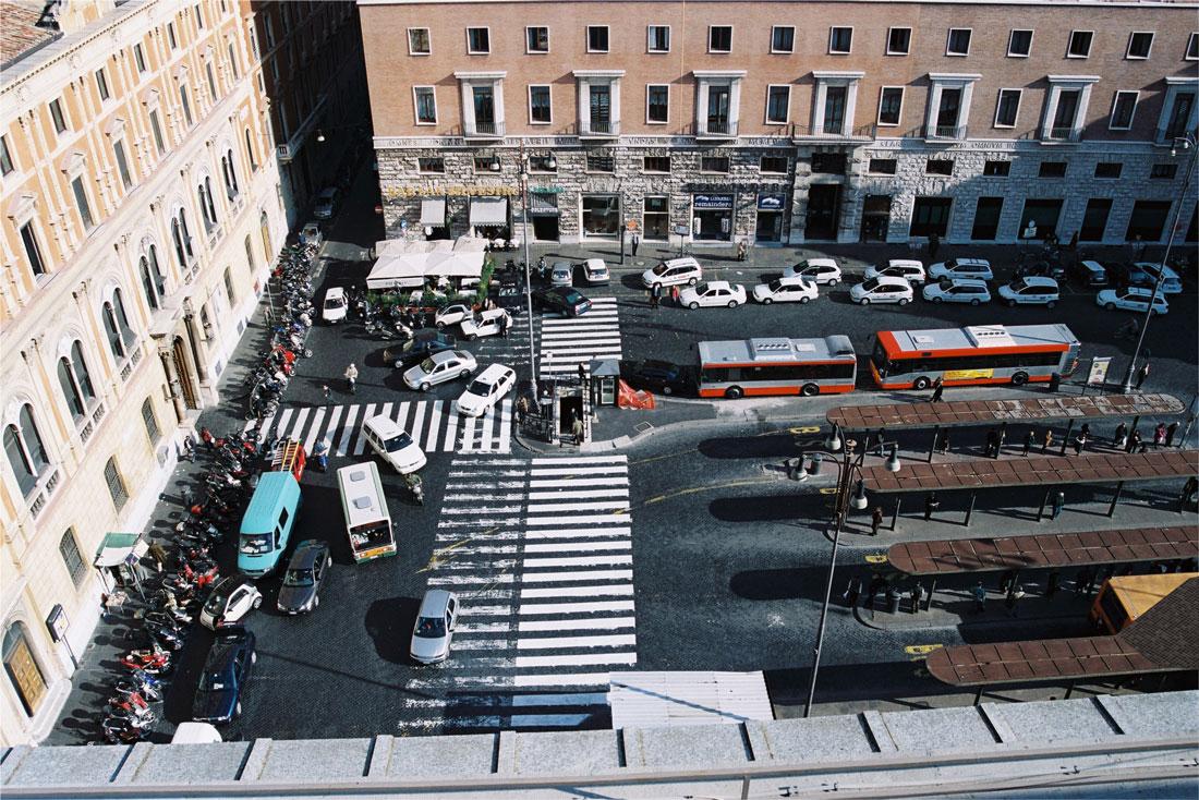 Piazza San Silvestro, prima dell'intervento di Bioedil, era capolinea degli autobus