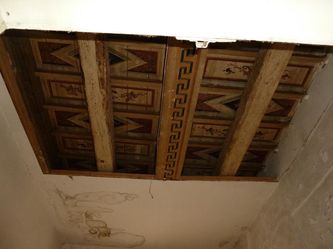 I soffitti di Palazzo Sgariglia, dal punto di vista del restauro, presentavano notevoli criticità