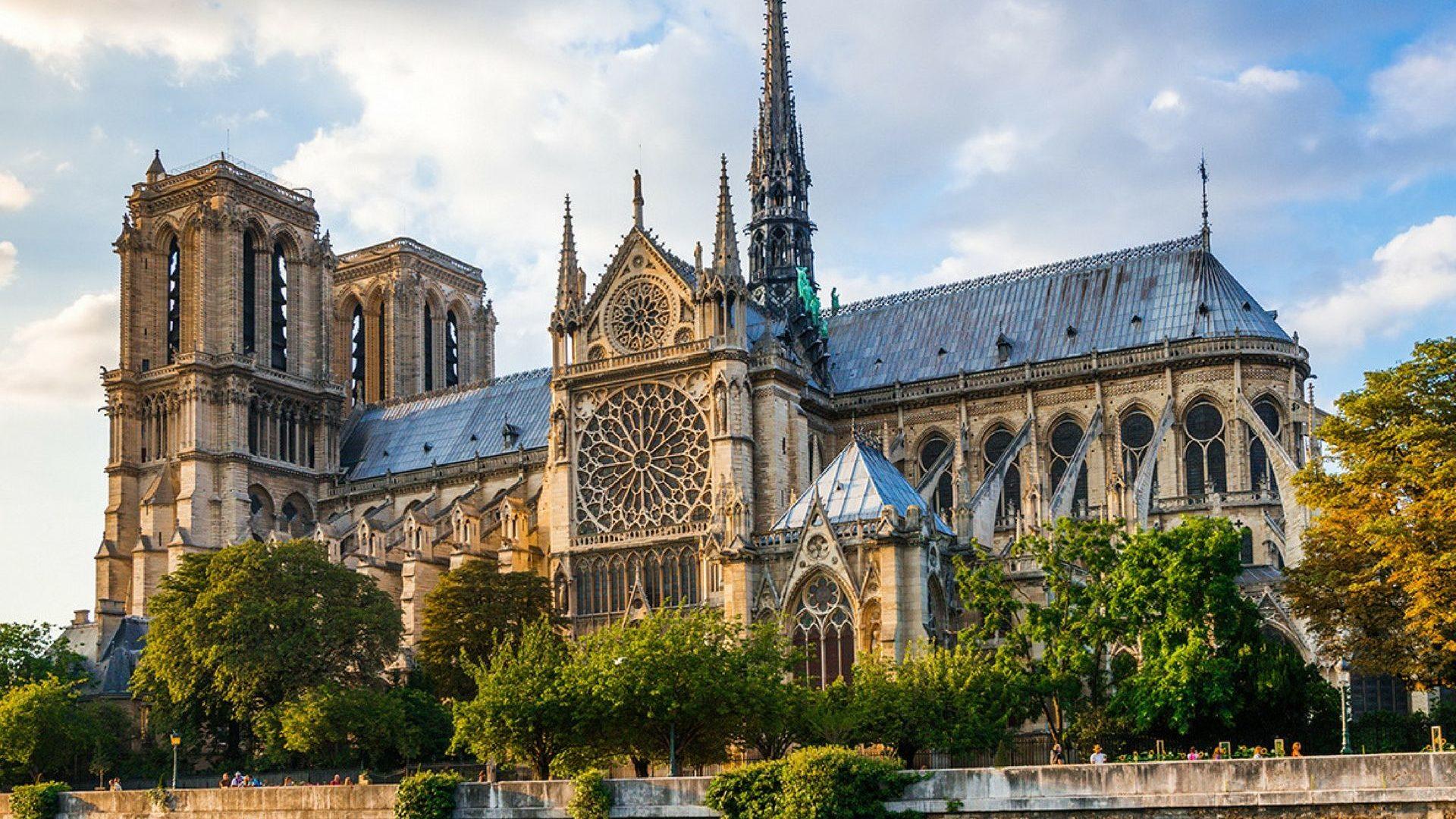 Cattedrale di Notre Dame crowdfunding raccolta fondi