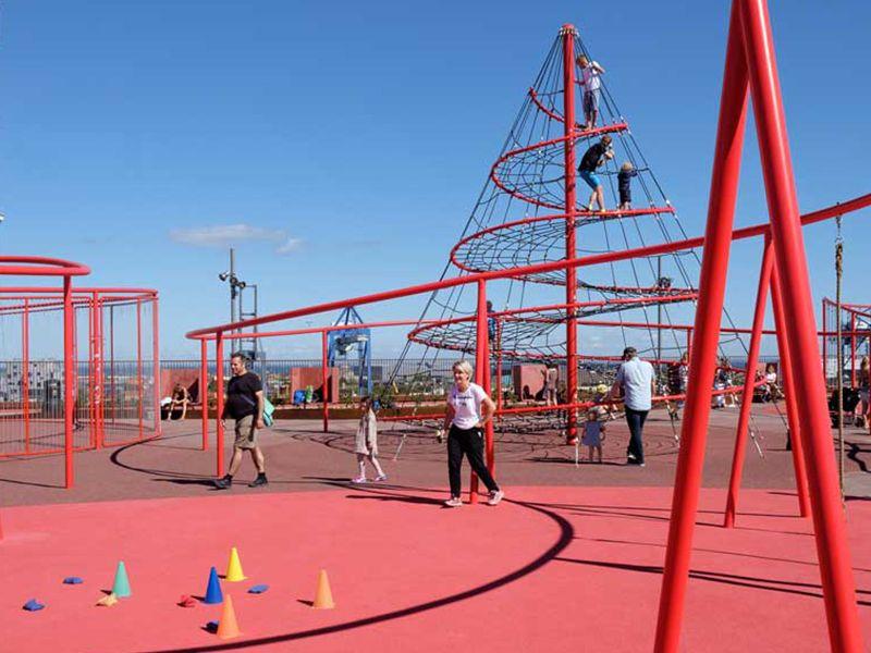 Parco Giochi sul tetto del parcheggio multipiano di Nordhavn