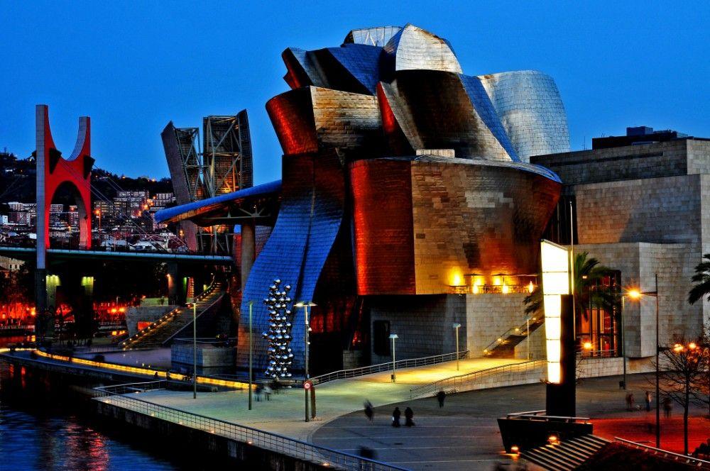 Bilbao Guggenheim di notte