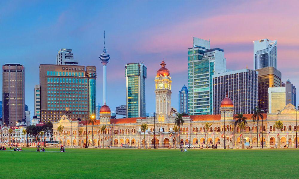 piazza-indipendenza-malesia